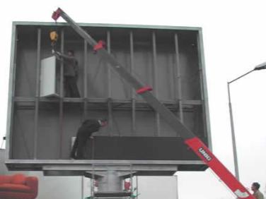 установка модулей светодиодного экрана